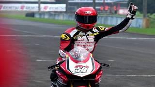 """Gerry Salim Juara Race 1, Pembalap Indonesia Sapu Bersih PodiumPebalap Indonesia dari Astra Honda Racing Team, Gerry Salim, menjuarai balapan pertama kelas Asia Production (AP) 250 pada seri keempat ajang Asia Road Racing Championship (ARRC) di Sirkuit Sentul, Bogor, Jawa Barat, Sabtu (12/8/2017).Gerry Salim melahap 12 lap dengan catatan waktu 20 menit 51 detik. Gerry mengalahkan rekan setimnya, Rheza Danica Ahrens, dengan selisih waktu 2,642 detik, di urutan kedua. Adapun peringkat ketiga juga ditempati rider AHRT lainnya, Andi Farid Izdihar, dengan catatan waktu 20 menit 53,997 detik.Video SourceOfficial Facebook ASIA ROAD RACING CHAMPIONSHIP https://www.facebook.com/AsiaRoadRacing/?ref=page_internal♫ Backsound VideoElectro-Light - Symbolism [NCS Release] https://www.youtube.com/watch?v=__CRWE-L45kCredit Electro-Light➞ YouTube https://www.youtube.com/user/ElectroL...------------------------------Terimakasih Sudah Menyaksikan! Thanks For Watching! Channel ini berisi berita Informasi Seputar Dunia Balap Grand Prix serta Klip / Video Para Pembalap Indonesia di kancah internasional.Jangan Lupa untuk:1. Like2. SUBSCRIBE3. Share4. CommentTerimakasih yang sudah Berkunjung dan Subscribe berlangganan channel saluran ini.Mohon maaf jika masih banyak kekurangan.Follow HereSubscribehttp://www.youtube.com/c/GPManiaIndonesiaTwitterhttps://twitter.com/GPManiaIndoFacebookhttps://www.facebook.com/gpmaniaindonesiaG+https://plus.google.com/u/0/116450608444653656711====================COPYRIGHT NOTICE CLAIMSPlease if you have any issue with the content used in my channel or you find something that belongs to you, before you claim it to youtube SEND ME A MESSAGE and i will DELETE it right away , I have WORKED REALLY HARD for this channel and i can't start all over again , Thanks for understanding """"Copyright Disclaimer""""Under Section 107 of the Copyright Act 1976, allowance is made for """"fair use"""" for purposes such as criticism, comment, news reporting, teaching, scholarship, and researc"""
