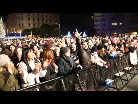 Pescara, Capodanno con la piazza gremita FOTO