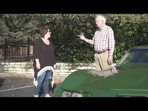 Дочка подарила папе машину мечты