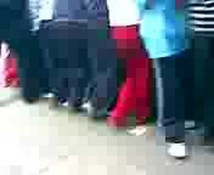 Videos relacionados con punteadas en el metro videos