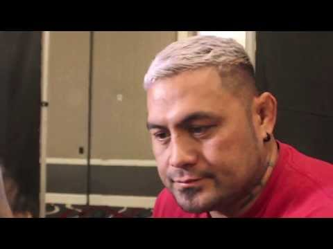mark - http://www.mmaweekly.com -- Surging UFC heavyweight Mark Hunt gives his thoughts ahead of his UFC 160 showdown with former champion Junior dos Santos. Hunt t...