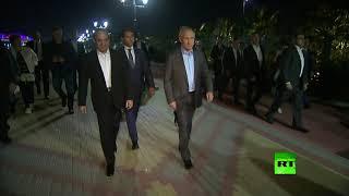 شاهد الرئيس بوتين يستقبل السيسي ويصحبه في جولة على كورنيش الواجهة البحرية لسوتشي