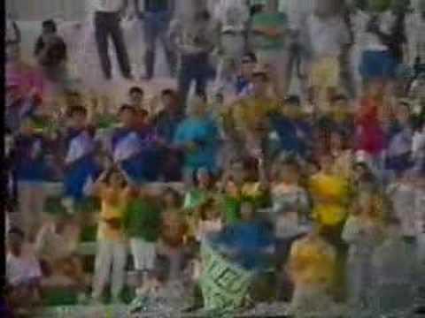 「サッカーアメリカワールドカップ予選ドーハの悲劇後の葬式のようなスタジオ...」のイメージ