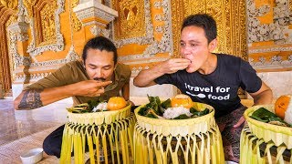 Video Royal Balinese Food - AMAZING INDONESIAN FOOD at The Palace in Bali, Indonesia! MP3, 3GP, MP4, WEBM, AVI, FLV Februari 2018