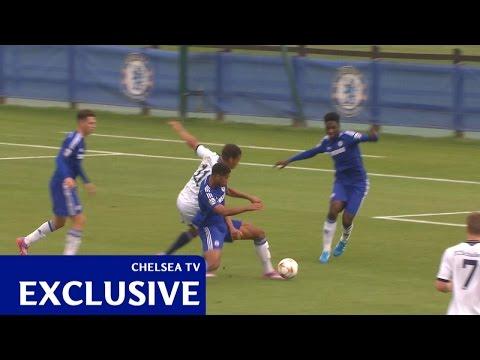 VIDEO: Peperduur Chelsea-talent verzorgt lesje omschake..