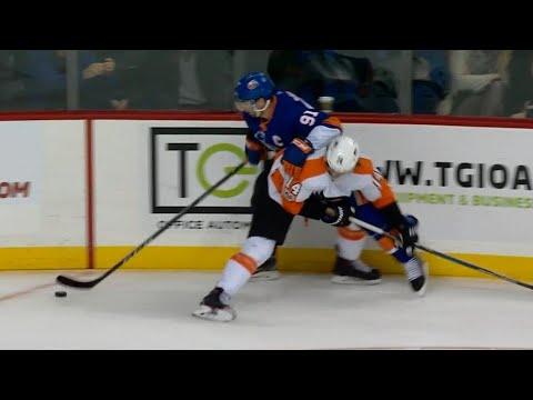Video: Tavares unstoppable in setting up Islanders OT goal