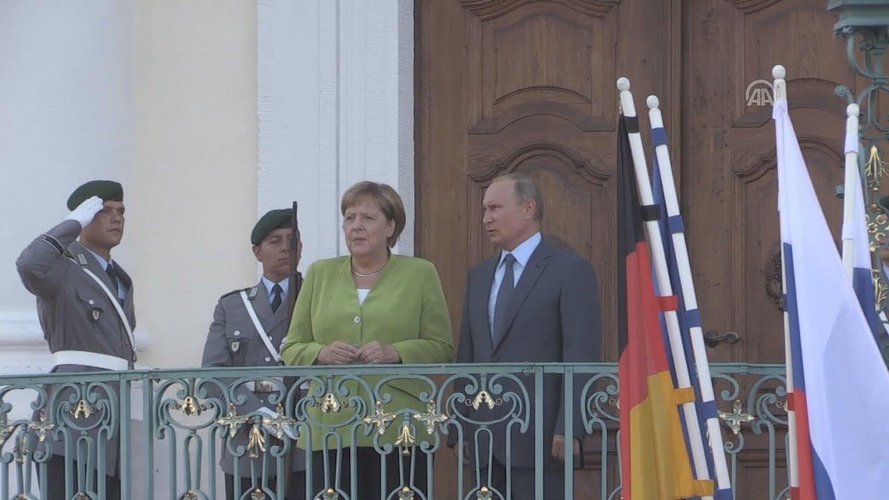 Μέρκελ μετά τη συνάντηση με τον Πούτιν: Η συνεργασία με τη Ρωσία είναι απαραίτητη