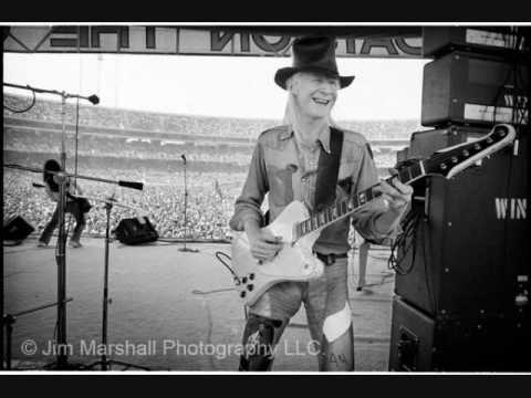 Johnny Winter-  Palace Theater, Waterbury, Connecticut 7/11/75