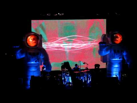 Primus Live, Finishing Off