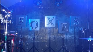 Foxes - Night Owls Early Birds (Fan Made Video) lyrics (Spanish translation). | Do the walk of shame in your best dress,, put your hands in the air, , even though I'm still...