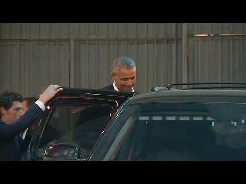 HΠΑ: Χειροκροτήματα για τον Μπαράκ Ομπάμα και την κόρη του έξω από το Μπρόντγουει