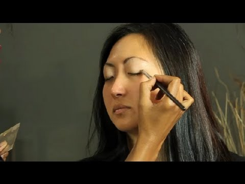 What Can I Use as an Inexpensive Eye Shadow Primer? : Makeup Basics