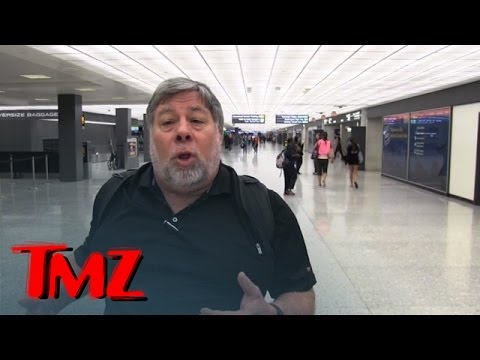 steve wozniak - Steve Wozniak is finally going back to Apple, exclusively ... when it comes to phones -- and it's all because he thinks the company finally has a product in ...