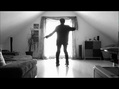 這男子錄下自己隨意跳舞的畫面竟獲得3700萬點閱,網友狂讚「從沒看過這種舞步!」