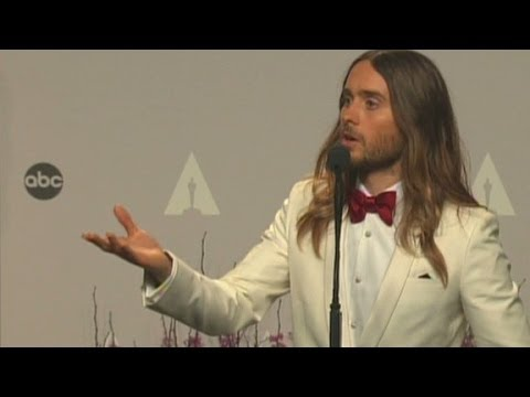 Academy - Jared Leto talks to reporters backstage after winning the Oscar for Best Supporting Actor at the 2014 Academy Awards. More from CNN at http://www.cnn.com/ To...