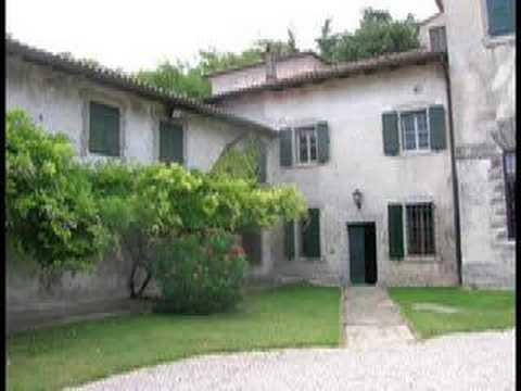 scorci - Moimacco è un paese che si trova nella campagna friulana tra Udine e Cividale. L'autore del video cura il sito www.mondocrea.it Se volete essere aggiornati s...