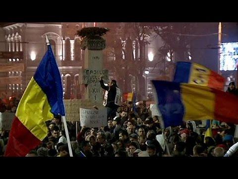 Ρουμανία: Στους δρόμους χιλιάδες διαδηλωτές – Ζητούν συνάντηση με τον Γιοχάνις
