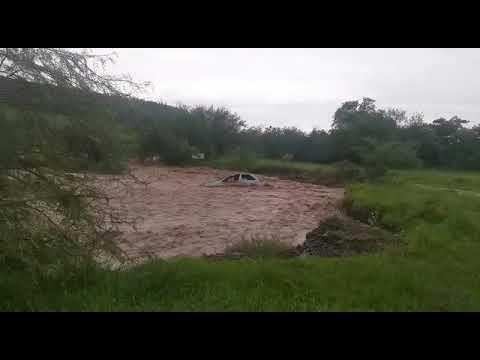 Enchente Botucatu pega carro de surpresa Rio indiana Botucatu