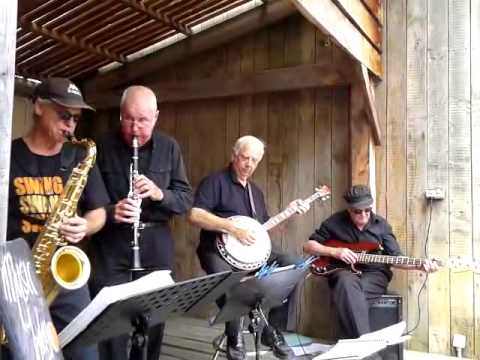 HM King of Thailand – HM Blues – Played By Mike Nisbet & Band in New Zealand