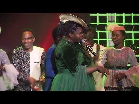 BUKOLA BEKES & DAMILOLA BEKES   WORSHIP EXPERIENCE 2019.          LORD  I AM GRATEFUL SONG 2