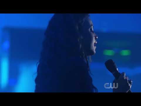 Tobias vs Black lighting fighting scene, black lightning season 1 episode 7