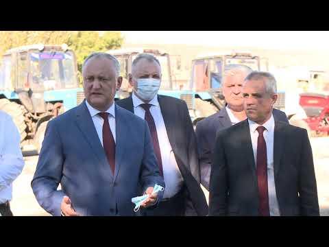 Igor Dodon a vizitat două întreprinderi agricole din raionul Sîngerei