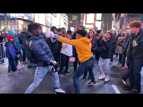 Boxer vs Strangers BOXING FIGHT (NYC TIME SQUARE)🥊