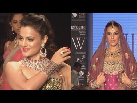 Neha Dhupia And Ameesha Patel On Ramp At India International Jewellery Week IIJW 2014