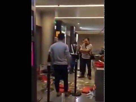 นักท่องเที่ยวจีน ตบหน้า-ขว้างกล่องข้าวใส่พนักงานหญิงสายการบิน ไม่พอใจเครื่องล่าช้า!