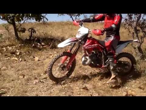 Trilha de moto em Paineiras