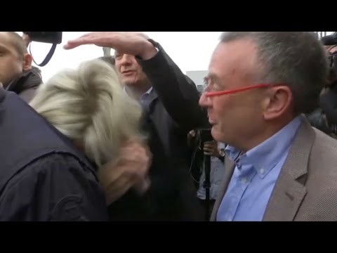 Marine Le Pen visée par des œufs en Bretagne