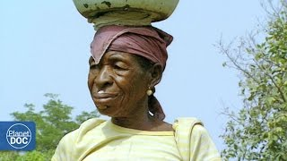 Originating in Burkina Faso, the Lobis and the Bilfo have settled in the north-east of the country. Until recently, they were hunters,...