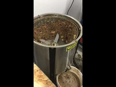 How To:  Maxant wax cappings spinner in operation