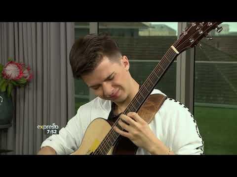 А вы так сможете на гитаре?