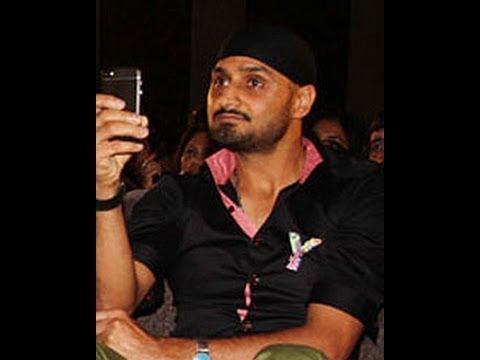 Video Cricketer Harbhajan Singh MMS download in MP3, 3GP, MP4, WEBM, AVI, FLV January 2017