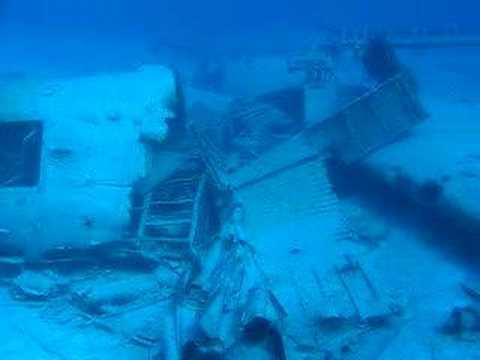 Buceo en el pecio del avión DC3 en Bahamas