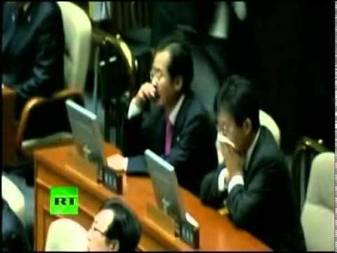 Δεν γίνονται αυτά: Βουλευτής πέταξε δακρυγόνο στην βουλή! (ΒΙΝΤΕΟ)