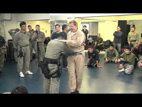 Samurai Jujutsu James Williams Sensei Nami ryu leg sweep counter to weapon grab