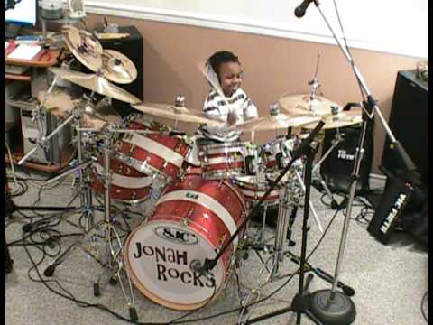 (Video) 5 year old drummer