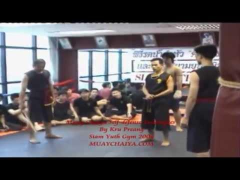 Muay Thai Chaiya Self Defense techniques by Kru Praeng