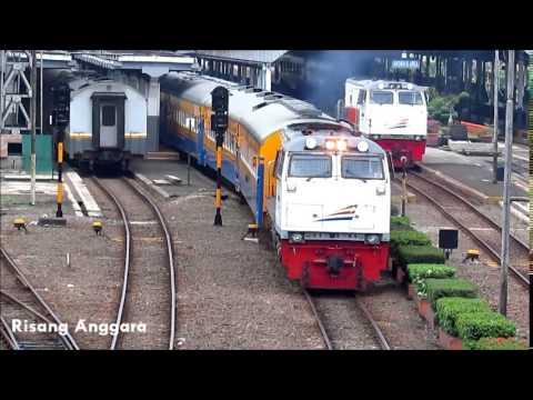 Kereta Api Lokal Cibatu Dikejar Lokomotif CC 203 di Stasiun Bandung