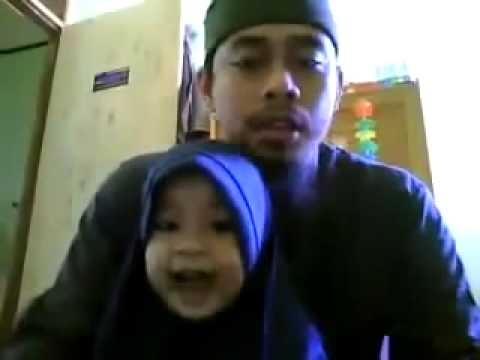 SMALL BABY READS QURAN WITH FATHER – YOU HAVE TO WATCH THIS!