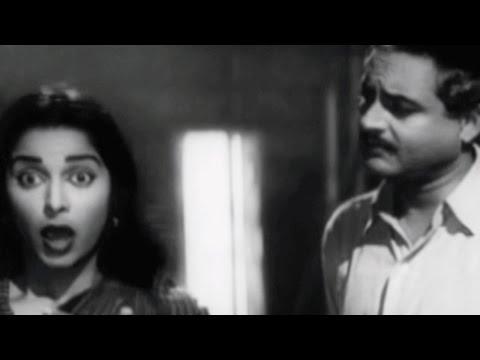 Guru Dutt believes Waheeda is a great actress - Kaagaz Ke Phool, Scene 5/19