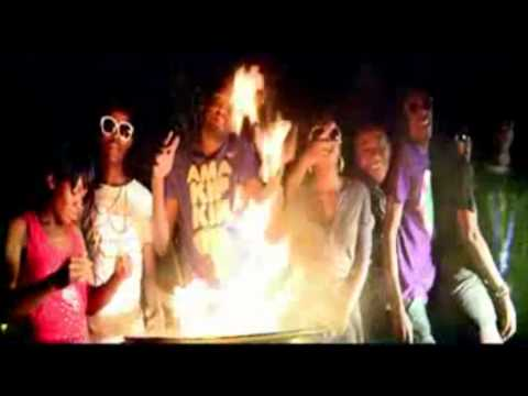 Nganaponena - Nice-M Ft. Chef 187 & PilAto (Official Video)