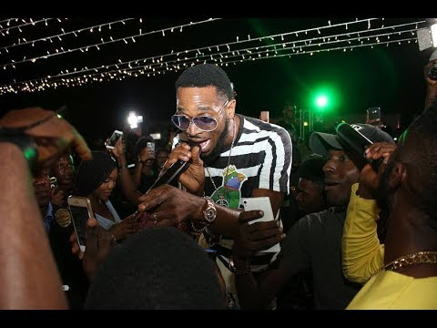 Dbanj Steals The Show At The Schweppes Novida Party Experience.