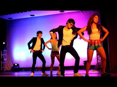 "KUSA ""Gangnam Style"" @ Cultural Ball 2012"