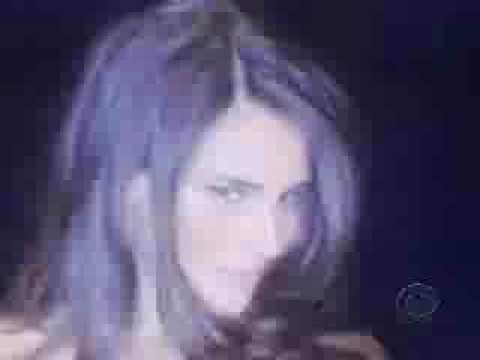 Victoria's Secret to Paulina Rubio-Baila Casanova