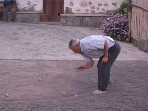 """Documental """"Juegos y juguetes de nuestros mayores"""". Trompo o peonza."""
