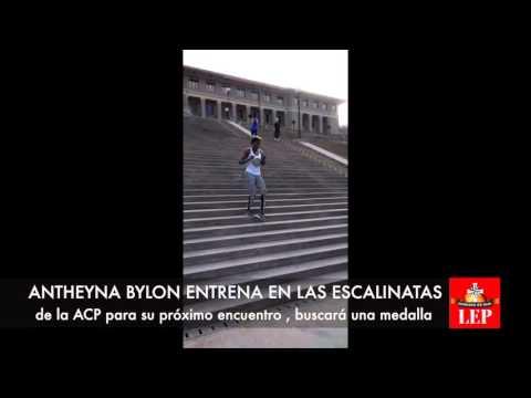 Atheyna Bylon entrena para obtener un cupo a las Olimpiadas.