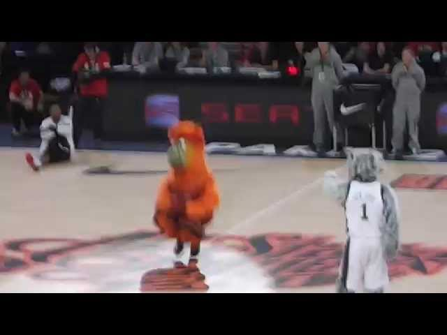 Burnie vs Sly Fox - NBA mascots dance battle